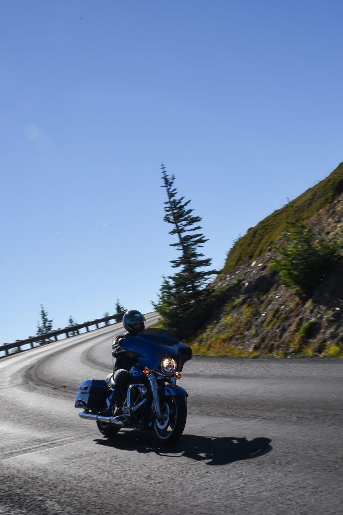 Sur la route en Harley-Davidson