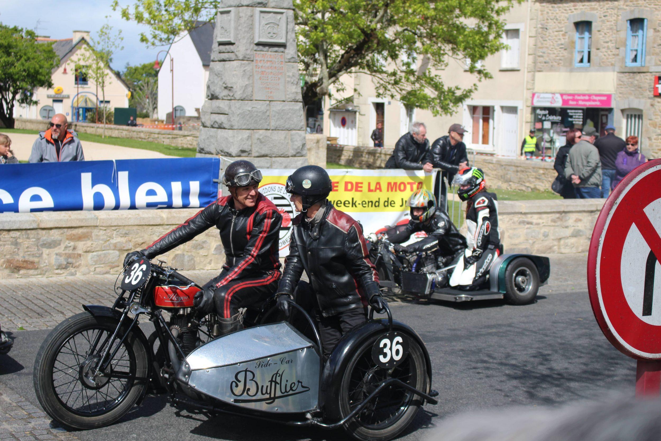 Les Vieux pistons redonnais, un sacré spectacle de motos anciennes !