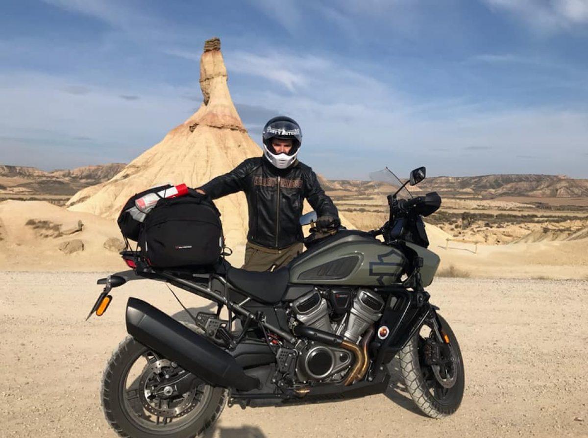 Broaam : Ride & Smile